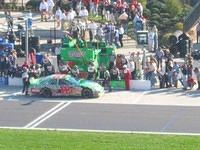 Another shot of Labonte in the pit stop.